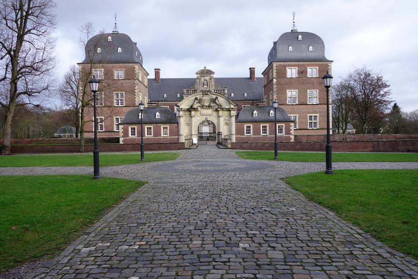 Rollrasen Ahaus, Schloss